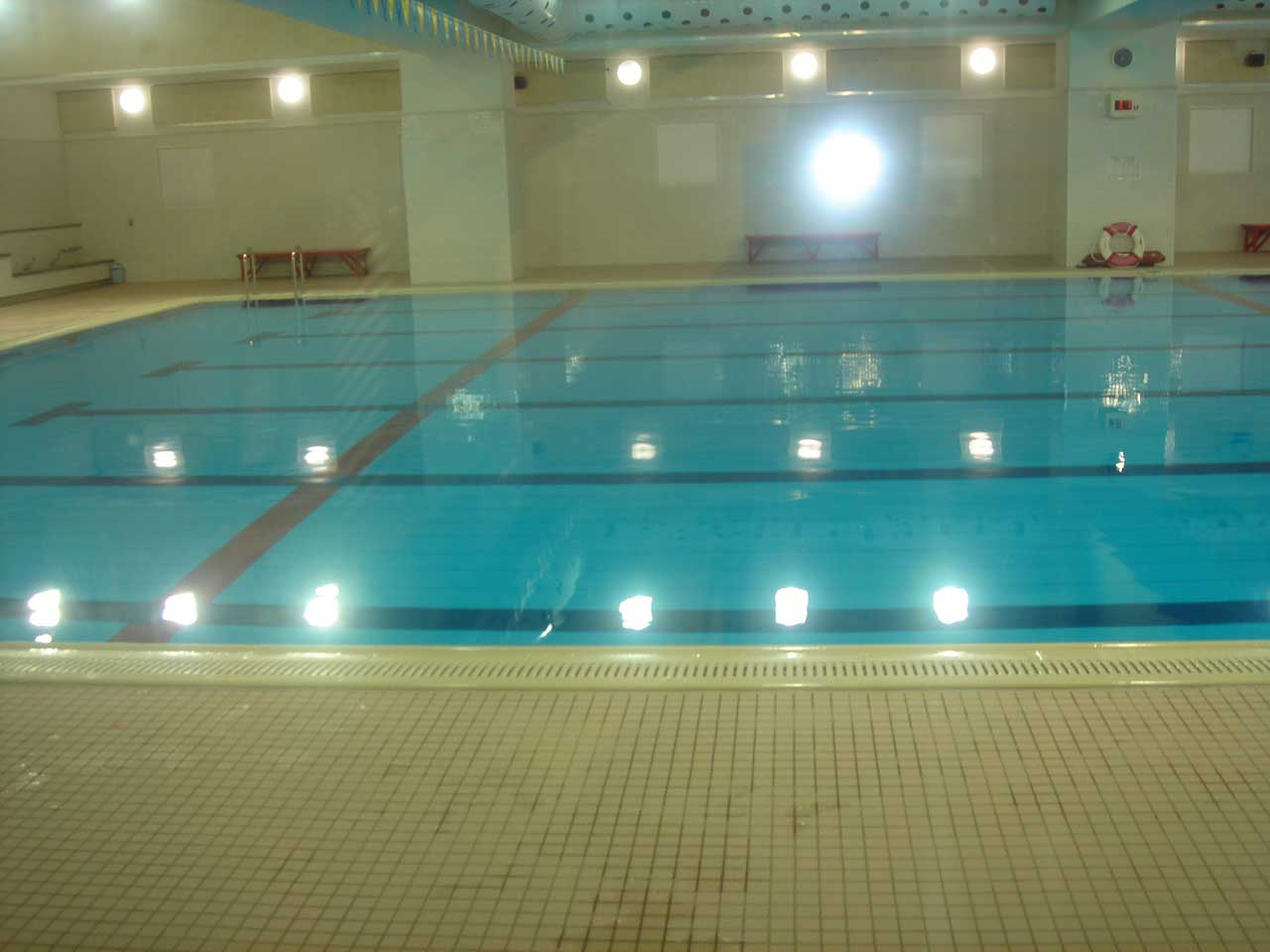 品川区総合体育館室内プール